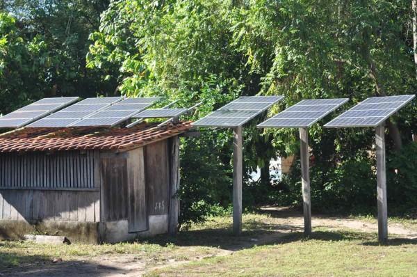 Oficina em Suruacá, Pará. Placas de energia solar