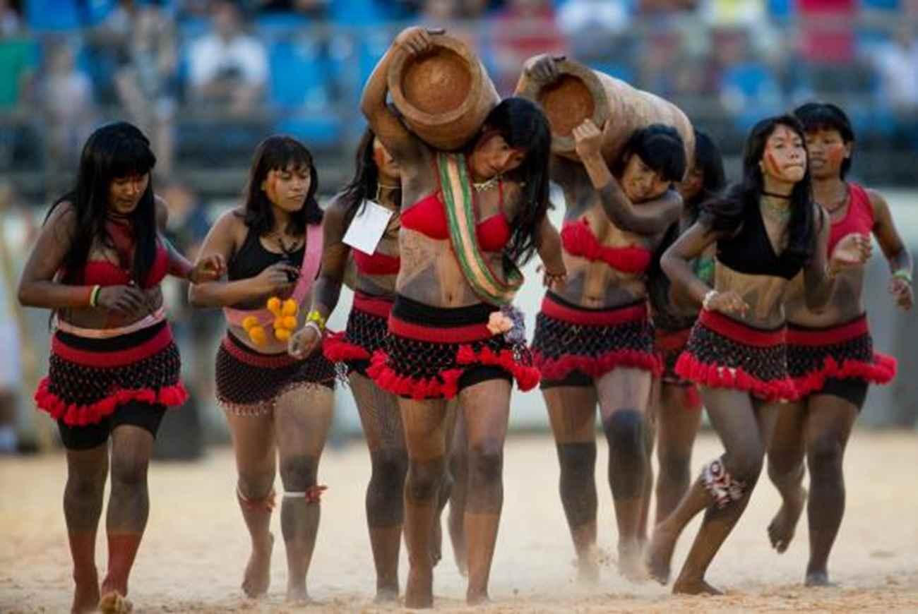 Atualmente as mulheres indígenas estão conseguindo, com dificuldades, sair das aldeias e ir para a cidade enfrentar esse outro mundo, diz Miriam Terena. Foto:Arquivo /Marcelo Camargo /Agência Brasil