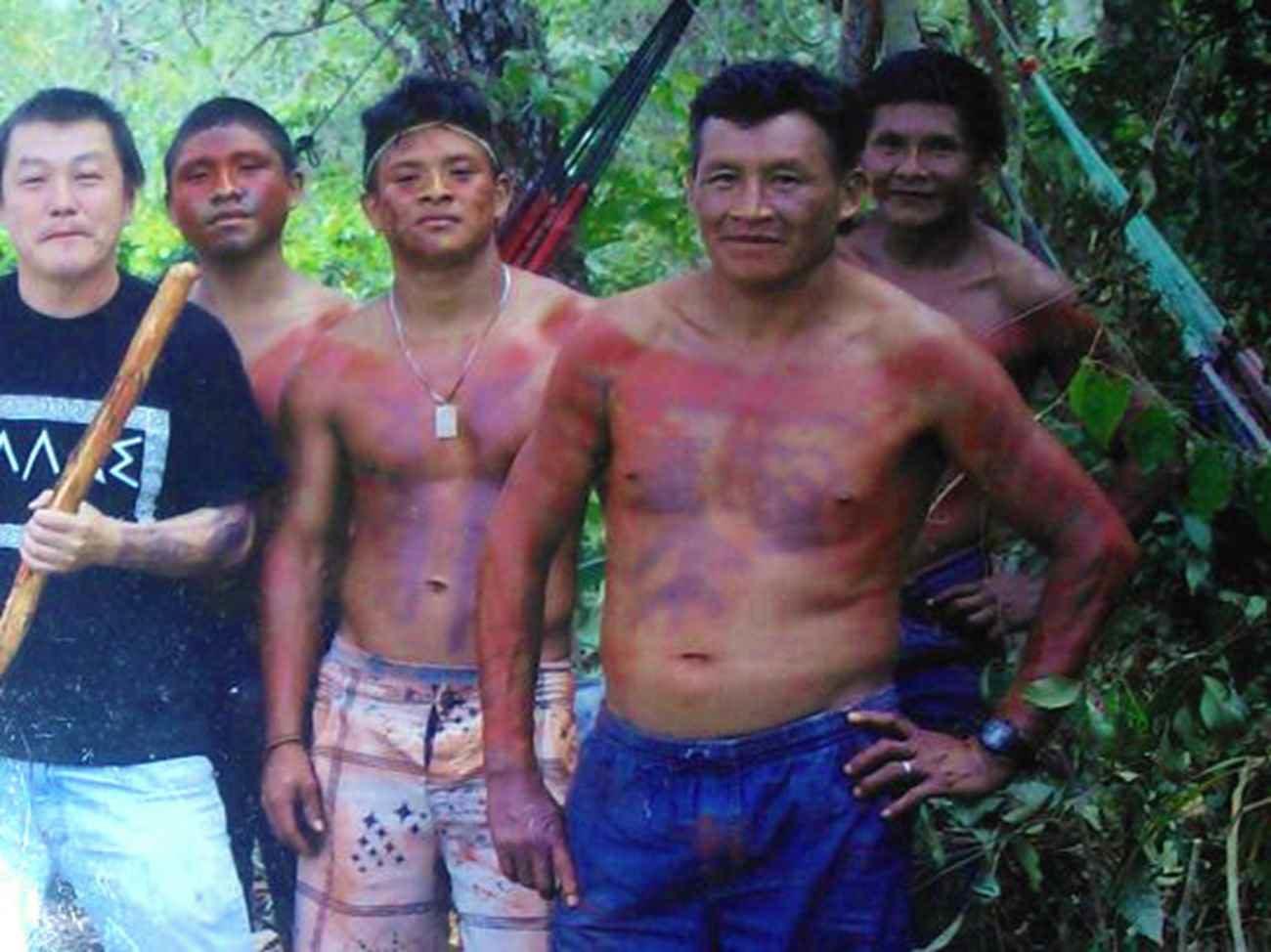 Assis Guajajara, de 43 anos, em primeiro plano na foto de Luis Carlos Guajajara