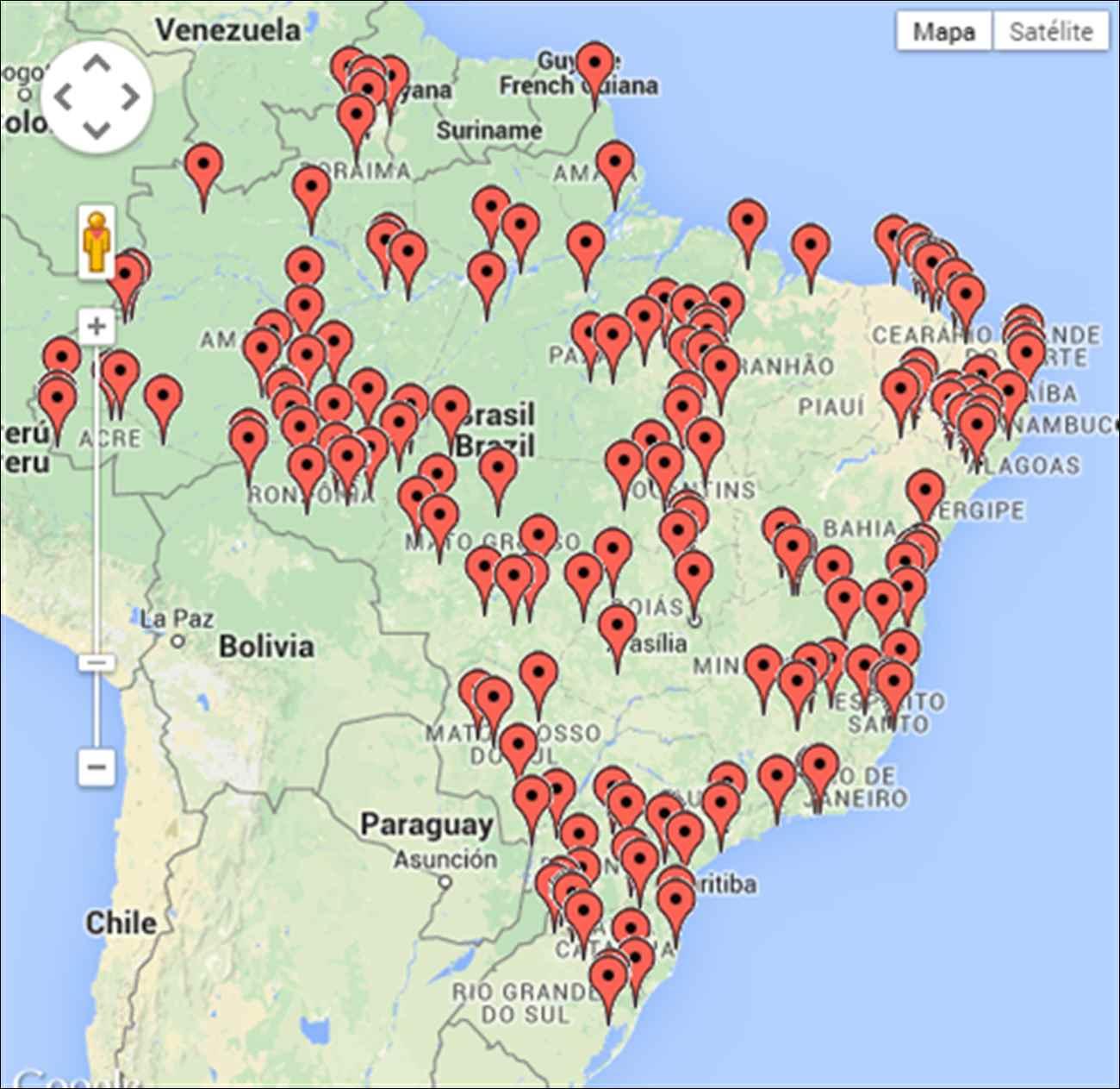 Resultado de imagem para fotos do mapa do brasil com pessoas dentro